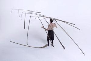 ikukids-Balance-Tobias-Hutzler-Madir-Eugster-cirque-Suisse-Rigolo-equilibre