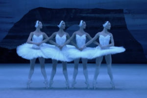 ikukids-Lac-des-Cygnes-Piotr-Ilitch-Tchaikovsky-Blochoi-ballet-danse