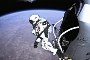 ikukids-stratos-Red-Bull-Felix-Baumgartner-chute-libre-saut-stratosphere