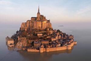 ikukids-France-Mont-Saint-Michel-monument-eglise-abbaye-histoire-patrimoine