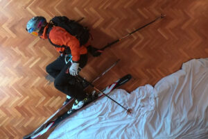 ikukids-philipp-klein-herrero-freeride-ski-maison-confinement-montagne