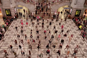 ikukids-grease-flashmob-flash-mob-anvers-antwerpen-danse-belgique