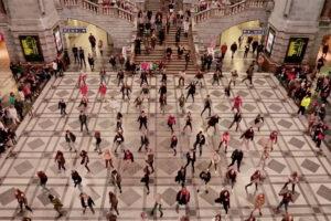 ikukids-grease-flashmob-flash-mob-anvers-antwerpen-danse-belgique