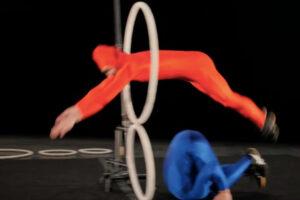 ikukids-hoops-desole-cirque-acrobatie-spectable-collectif-danse-theatre