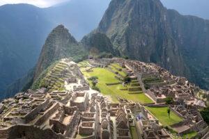 ikukids-Machu-Picchu-nat-geo-montagne-peru-temple-ville-XV-siecle-inca-incas-site-patrimoine-mondial-unesco